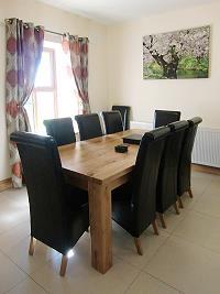 la table de la salle à manger pour 8 personnes